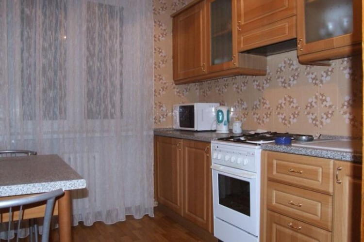 квартира на сутки, Светлогорск, Молодежная ул.  46