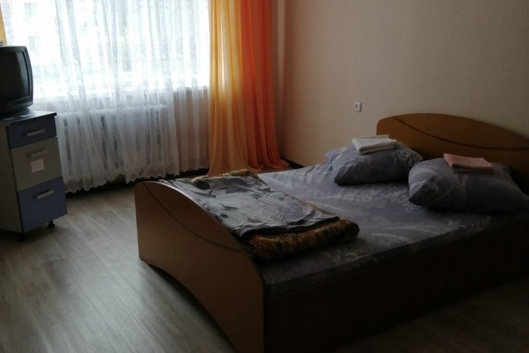 квартира на сутки, Светлогорск, Молодежная ул.  38